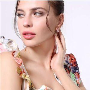 Jewelry - 💎 Stunning Rose Gold Flower Crystal Drop Earrings